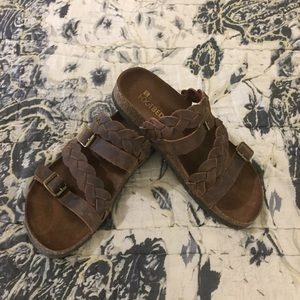 EUC White Mountain Sandals
